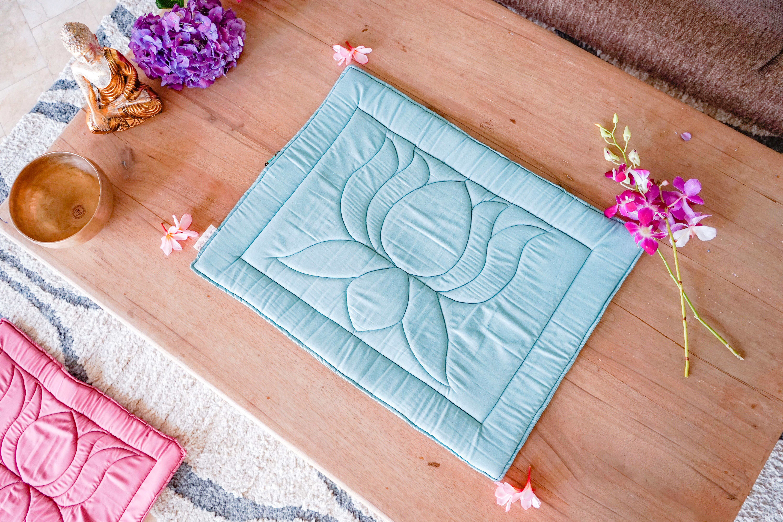 Подушечки для медитаций, поездок в ашрам и вашего домашнего алтарика!